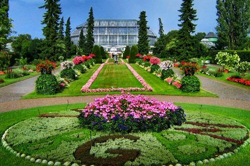 Top 11 botanical gardens to visit in india wiwigo blog for Garden house in india